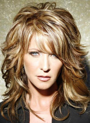 http://shop.wigsbuy.com/product/Super-Charming-Sexy-Long-Layered-Wavy-Wig-100-Human-Hair-About-14-Inches-For-You-10190064.html