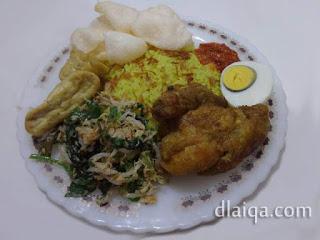 Nasi Kuning Sederhana ala Rika