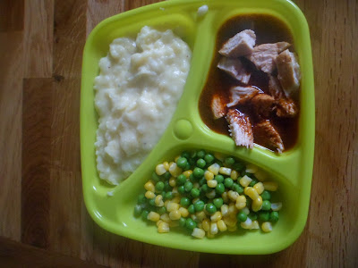 Vinaigrette Chicken, cheesy mash, peas and sweetcorn baby portion - stage 3 weaning