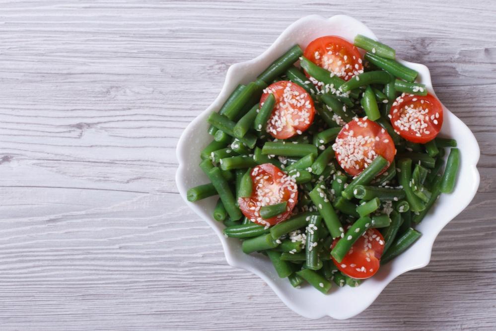 Теплий салат із зеленою квасолею