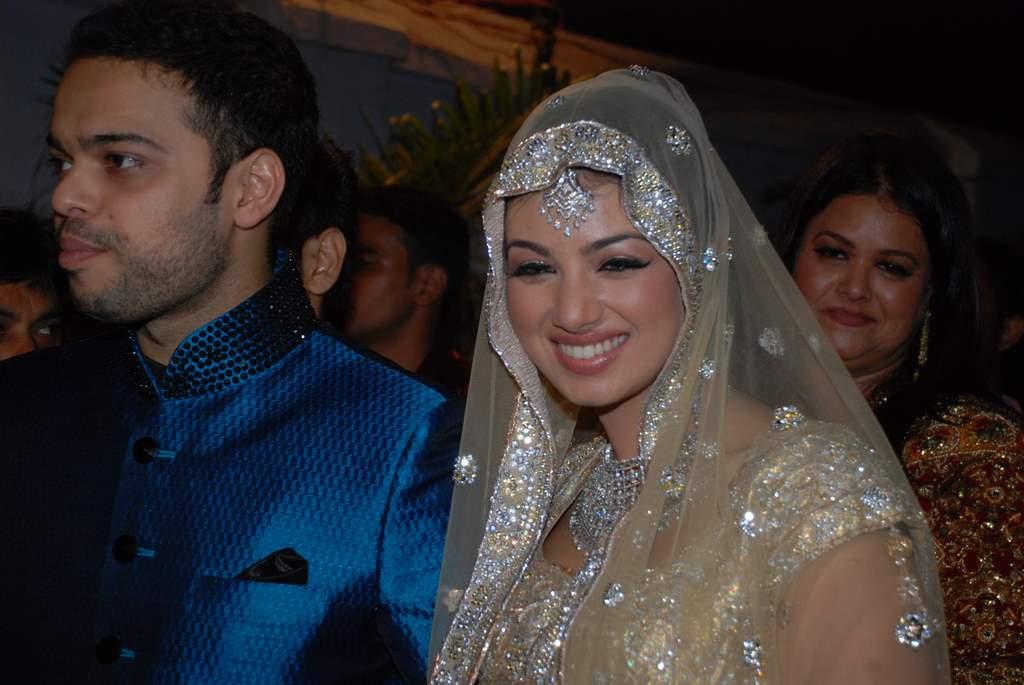 Ayesha Takia Wedding Reception Photo Gallery