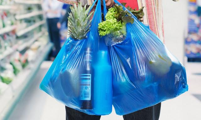 Πρέβεζα: Ευχές και ανακοίνωση του Εμπορικού Συλλόγου Πρέβεζας σχετικά με το περιβαλλοντικό τέλος για τις πλαστικές σακούλες