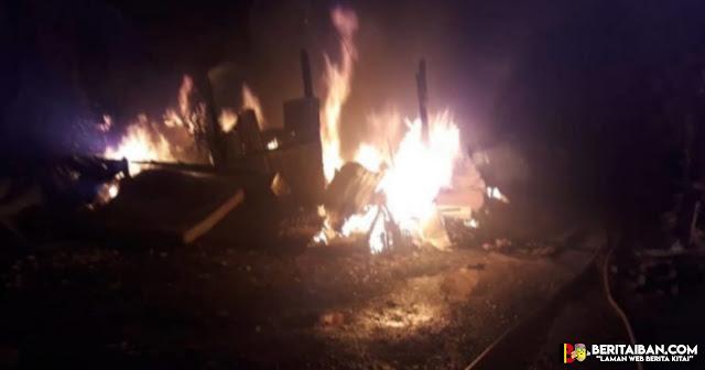 Empatsebiliknadai palan endur ngenduh, rumah di Lorong Chawan 13, Tabuan Jaya, ambis lengis diempa api