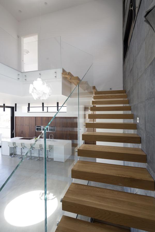 Casas minimalistas y modernas escaleras modernas y for Escaleras casas minimalistas