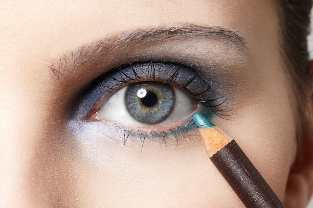 Make Netfarma,olhar marcante,make para olhos,sombra,delineador,pálpebra móvel,mascara de cílios,cílios definidos,maquiagem impactante,dica de make pra olhos