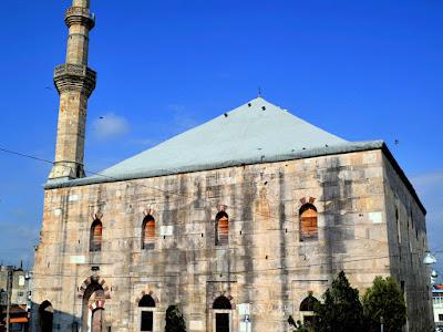 Υπό έλεγχο η φωτιά στο τέμενος Βαγιαζήτ του Διδυμοτείχου