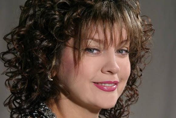 Лилия Сандулесу – эстрадная певица. Родилась в селе Маршинцы Новоселицкого района