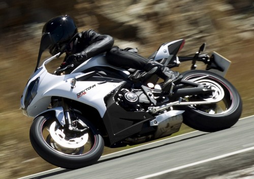 Review Triumph Daytona 675