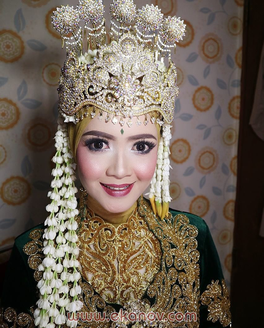 Tips Rias pengantin hijab Solo Untuk Yang Berhijab