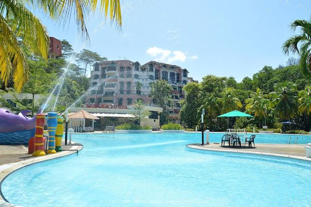 Air pancut didalam kolam renang Hotel Klana Resort Seremban