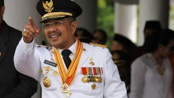 Gubernur Sulawesi Tenggara Nur Alam tersangka kasus korupsi