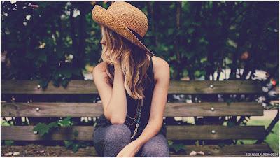 صور خلفيات بنات حزينة جميلة