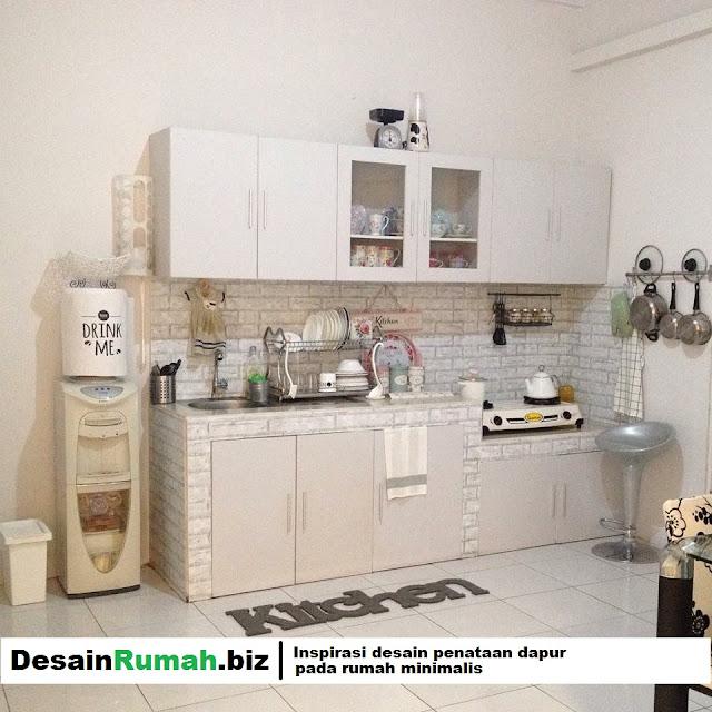 Gunakan Kitchen set agar dapur lebih nyaman