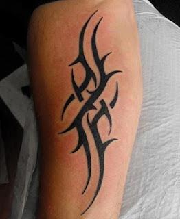 tato tribal gampang di tangan
