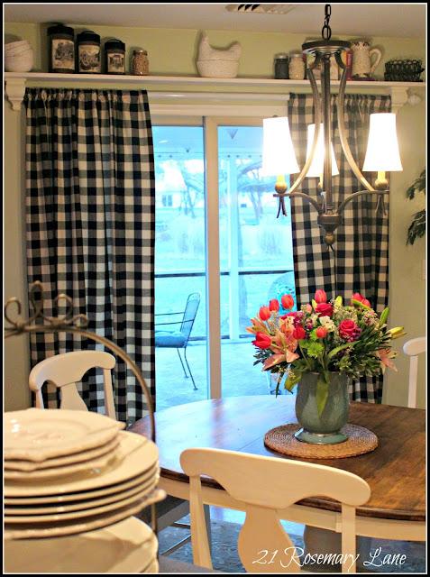 21 Rosemary Lane: Over the Door Shelf