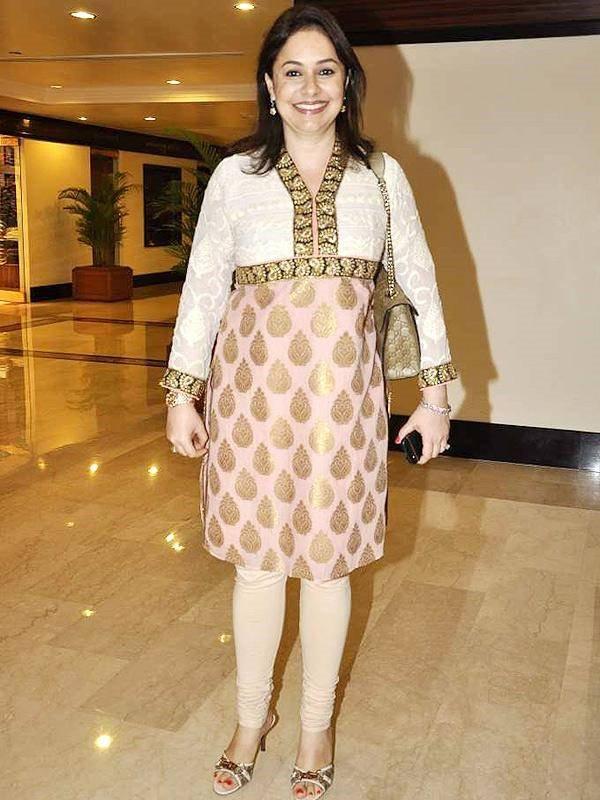 Anjali Tendulkar Physical appearance