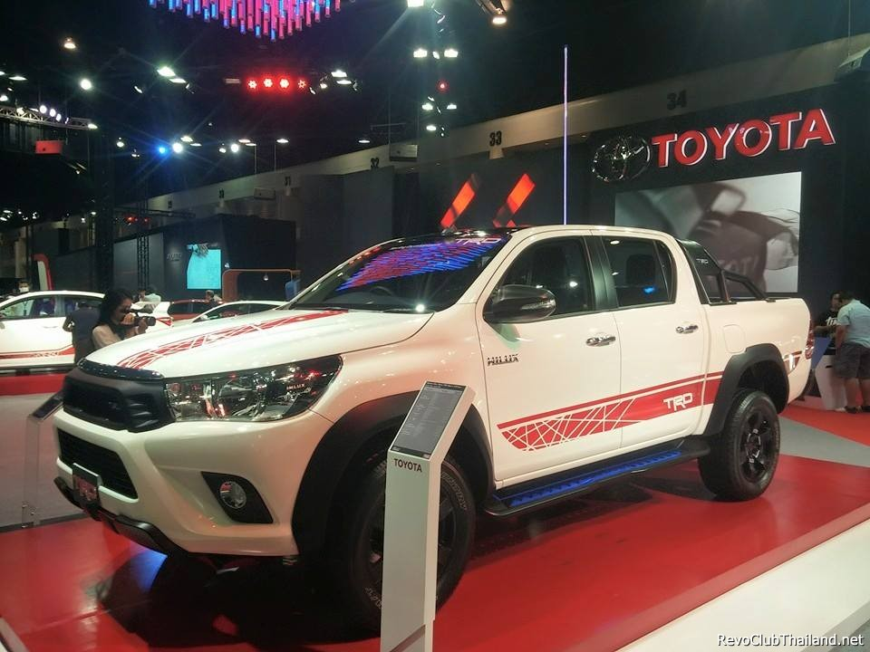 Toyota Gives New 2016 Hilux The Trd Sports Treatment