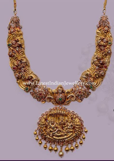 Sculpted Gold Necklace