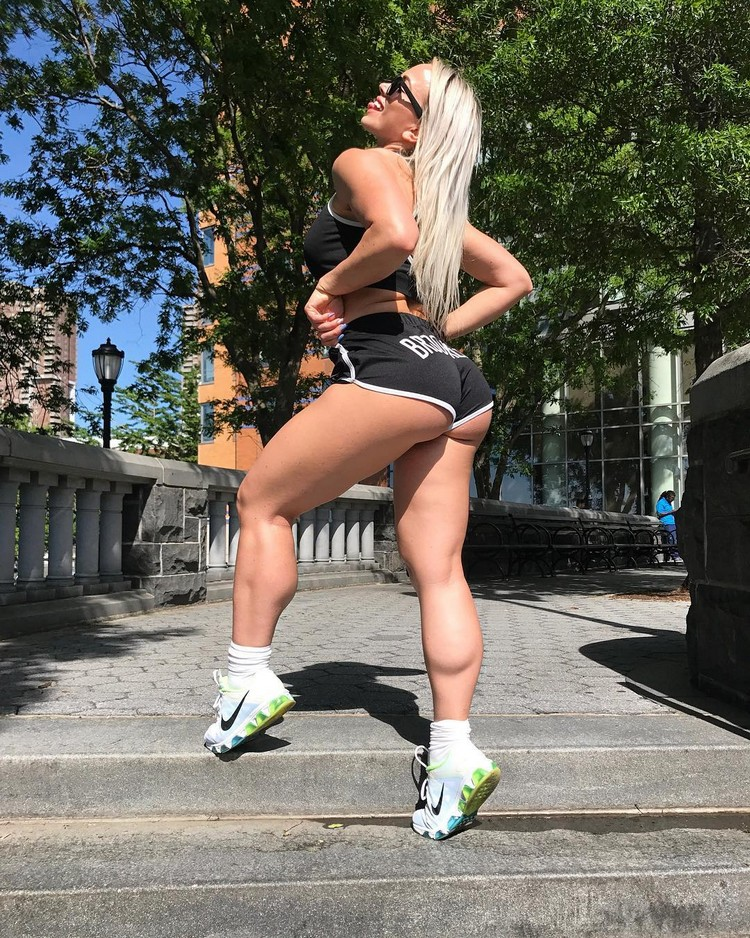 Polish Fitness Model Wioletta Pawluk