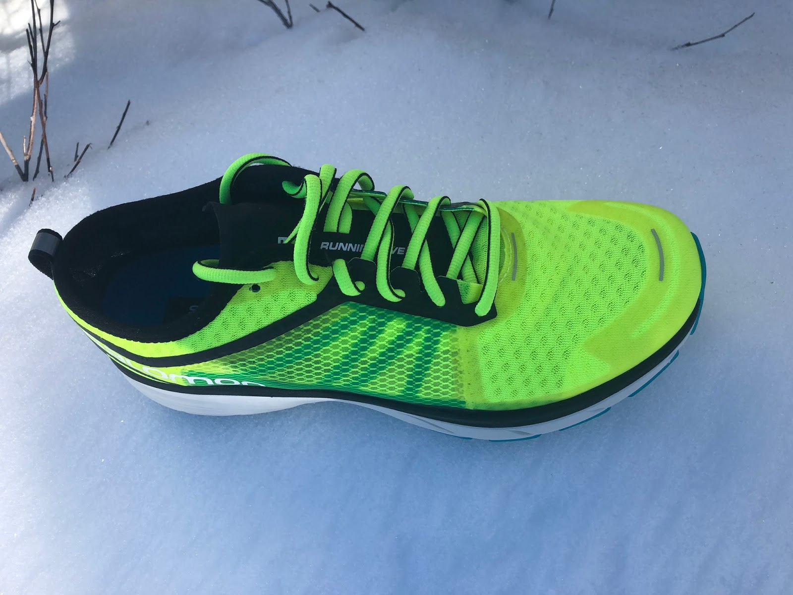 Here mid foot support is internal as in traditional SensiFit and there are  no EndoFit stretch booties as in many Salomon trail shoe. 775bb31c9