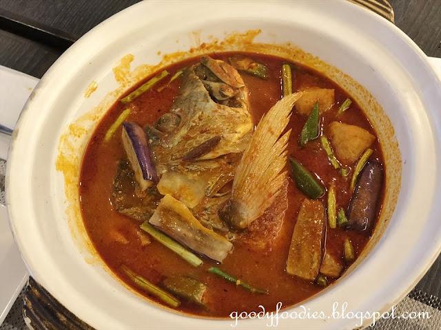 Makan Nyonya, Estadia Melaka - Assam Fish Head