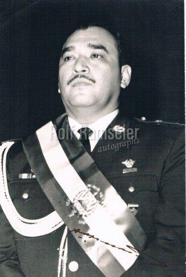 RECUENTO DE LAS DICTADURAS MILITARES: JULIO ADALBERTO RIVERA