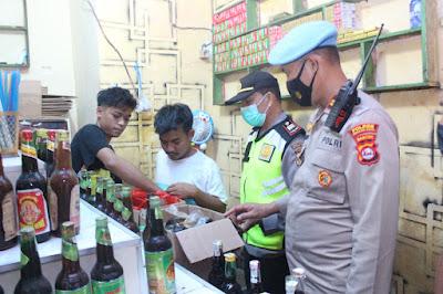 Ops Bina Kusuma, Polres Serang Kota  Amankan Puluhan Botol Miras