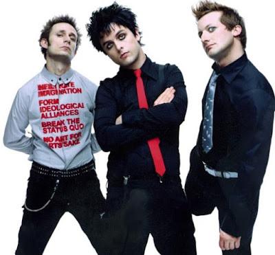 Foto de Green Day posando para sus fans