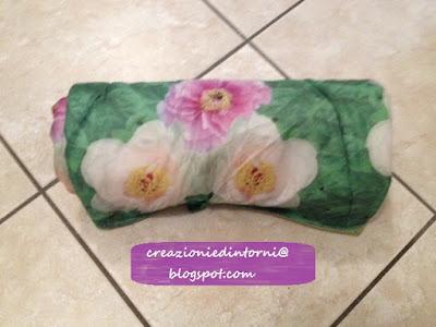 petite couverture enroulée (recyclage d'un parapluie)