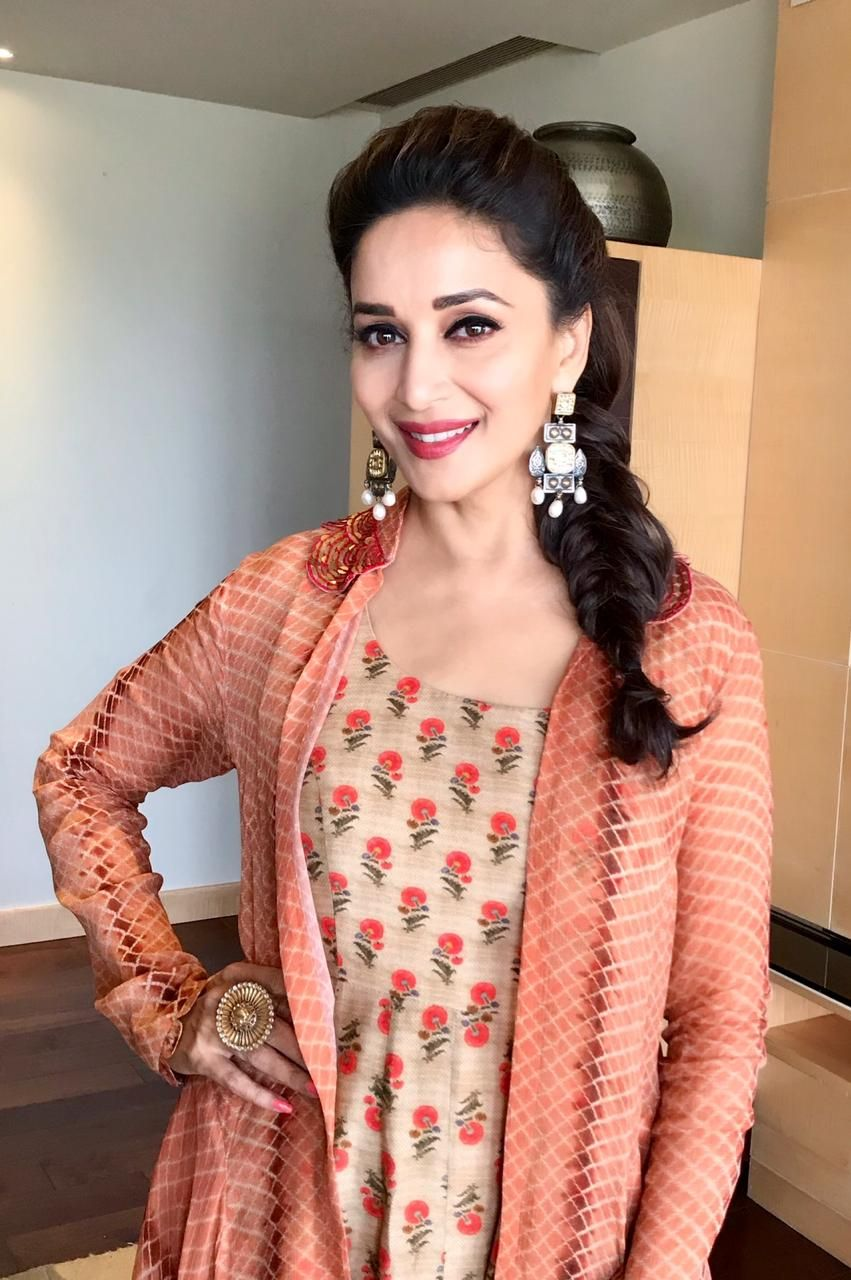 120 Madhuri Dixit Latest Pics, Full Hd Images And Photo -9618