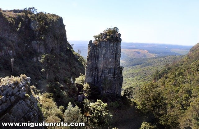 Pinnacle-Rock-Ruta-Panorama