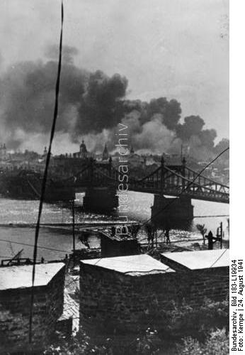 Fighting at Novgorod, 24 August 1941 worldwartwo.filminspector.com