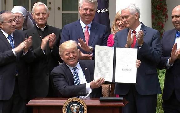 Donald Trump garantiza la libertad religiosa en Estados Unidos