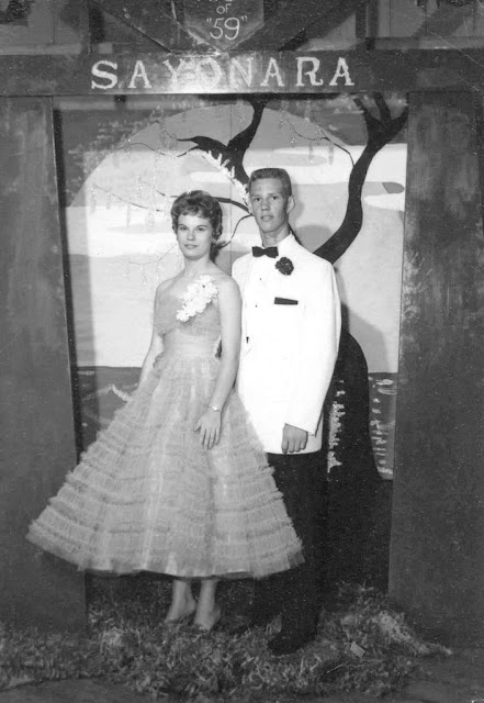 pictures of high school proms in the 1940s and 1950s