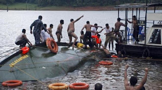 boat capsize in India