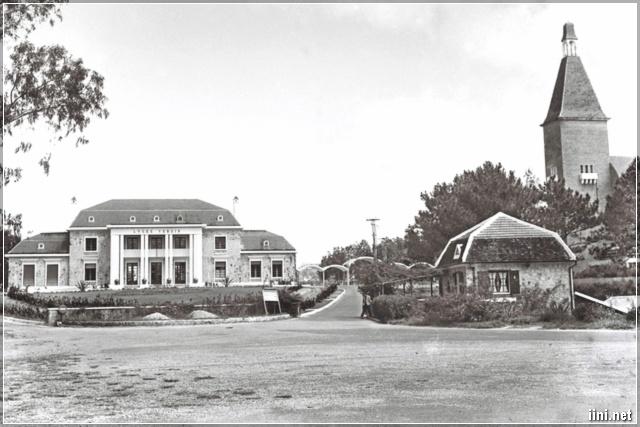 Cổng trước trường Yersin năm 1968