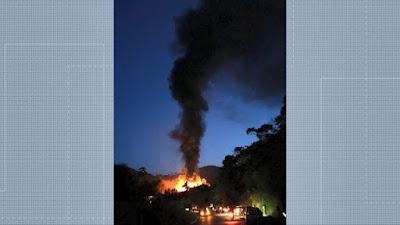 Carreta pegou fogo após acidente