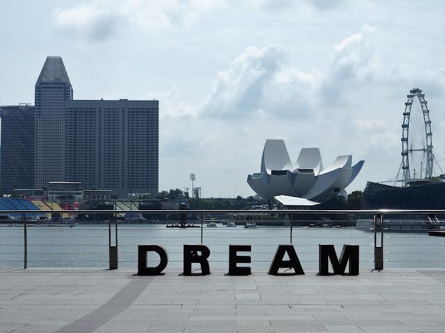 Dream Schriftzug Singapur