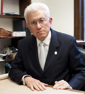 Roberto M Unger
