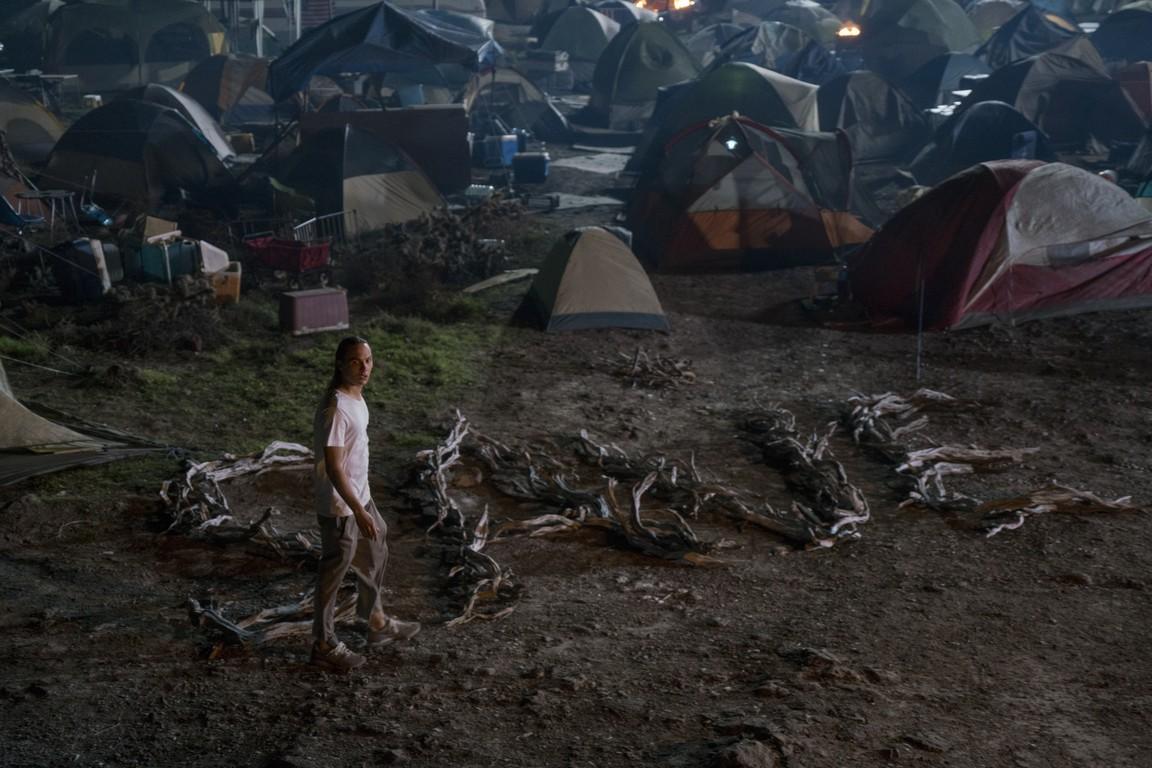 Fear the Walking Dead - Season 2 Episode 04: Blood in the Streets