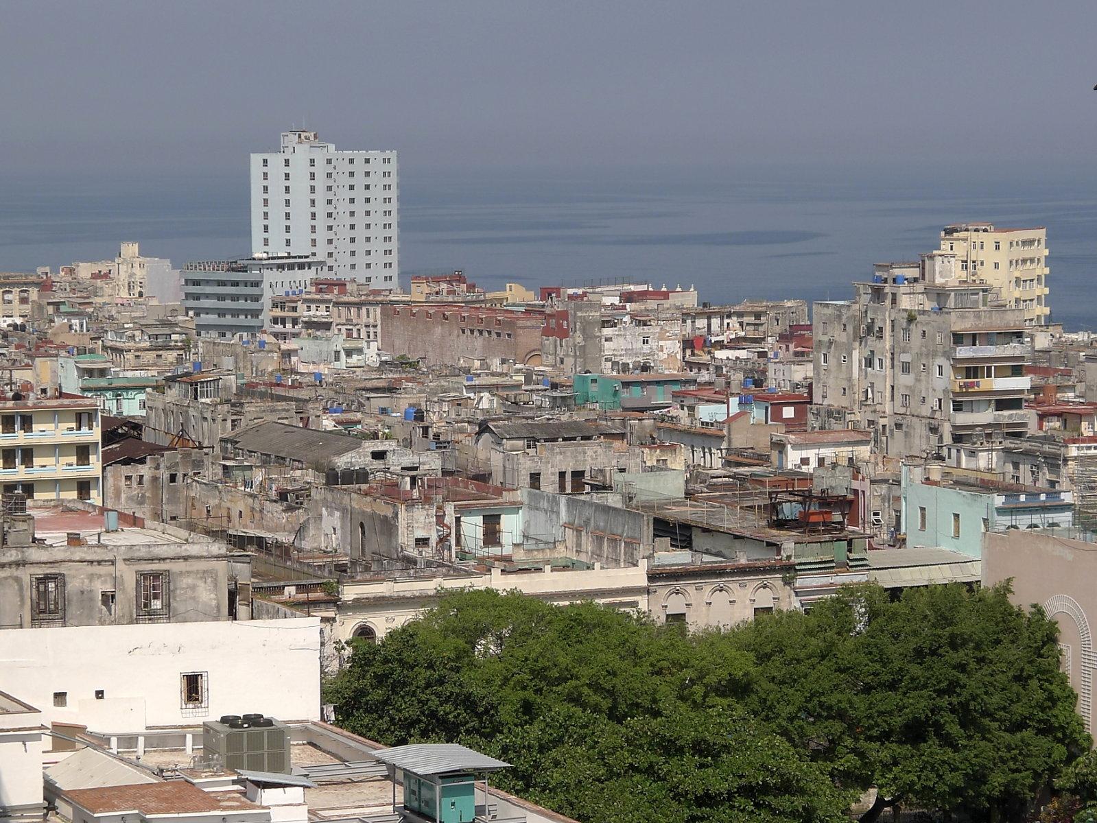 Centro Habana, rechts Hotel Lincoln