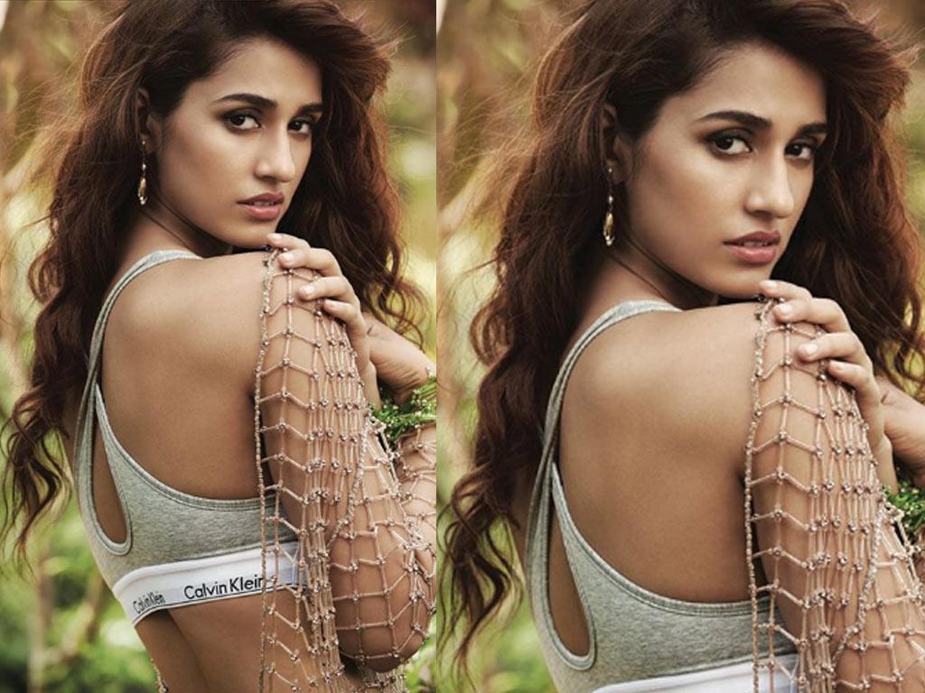 Disha Patani  - Hot Sexy Bikini Photos Pictures | Bollywood