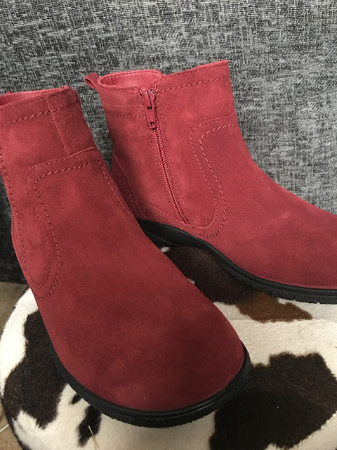 Red Goretex boots by Hotter