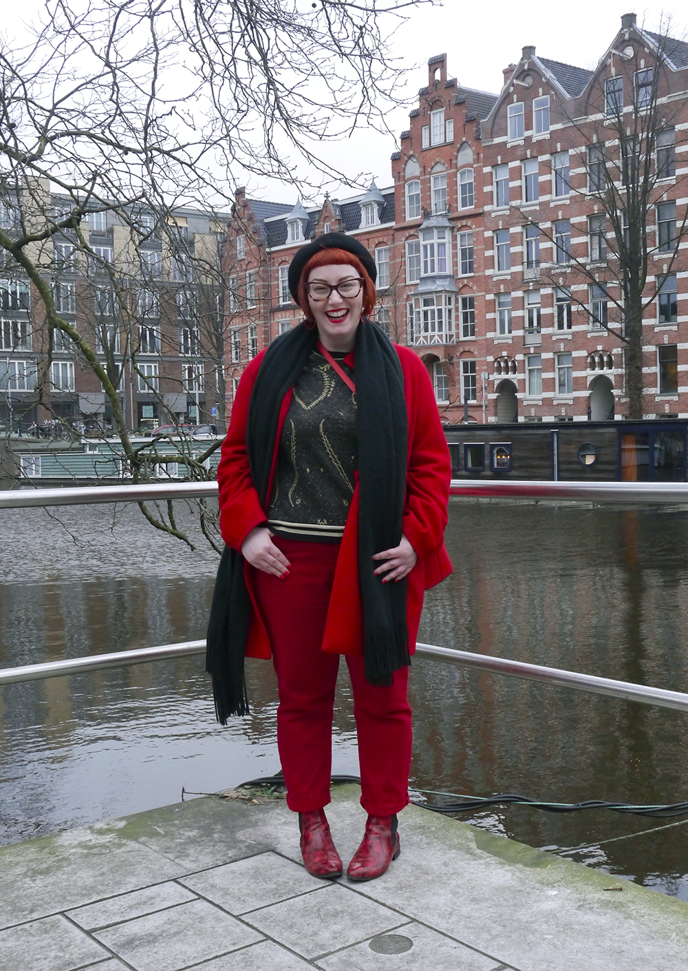 Cosy and bright outfit for a chilly Amsterdam day