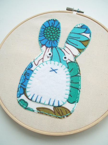 vintage fabric applique Easter bunny embroidery hoop using small blanket stitches and backstitch