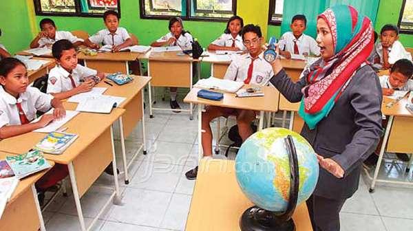 Guru Lebih Dimudahkan Dengan Adanya Revisi Kurikulum 2013