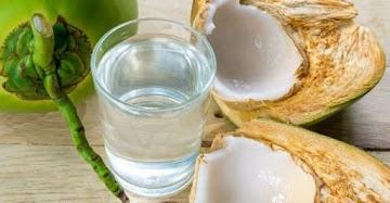 Água de coco é muito mais do que apenas uma bebida refrescante
