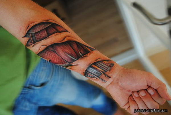 http://2.bp.blogspot.com/-XaERMxLABrA/UPQckFQyASI/AAAAAAAAArg/mOO_NvwYzqk/s1600/creepy-tattoos-yomico-moreno-3.JPG