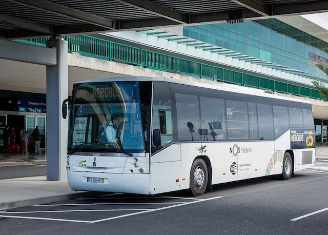 Ônibus do aeroporto da Ilha da Madeira até o centro