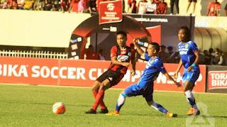 Persib menang 2-0 atas Persipura